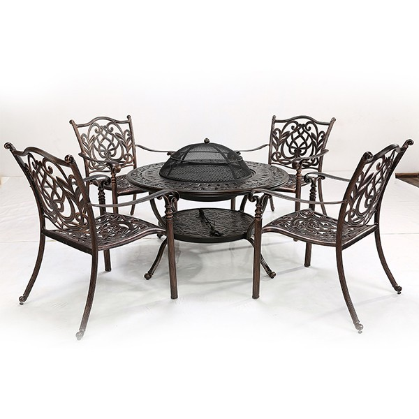 CAST ALUMINIUM WITH 4 CHAIRS